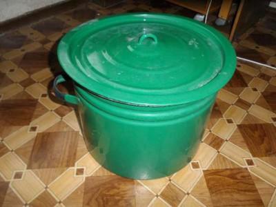 Выварка зеленая металлическая эмалированная